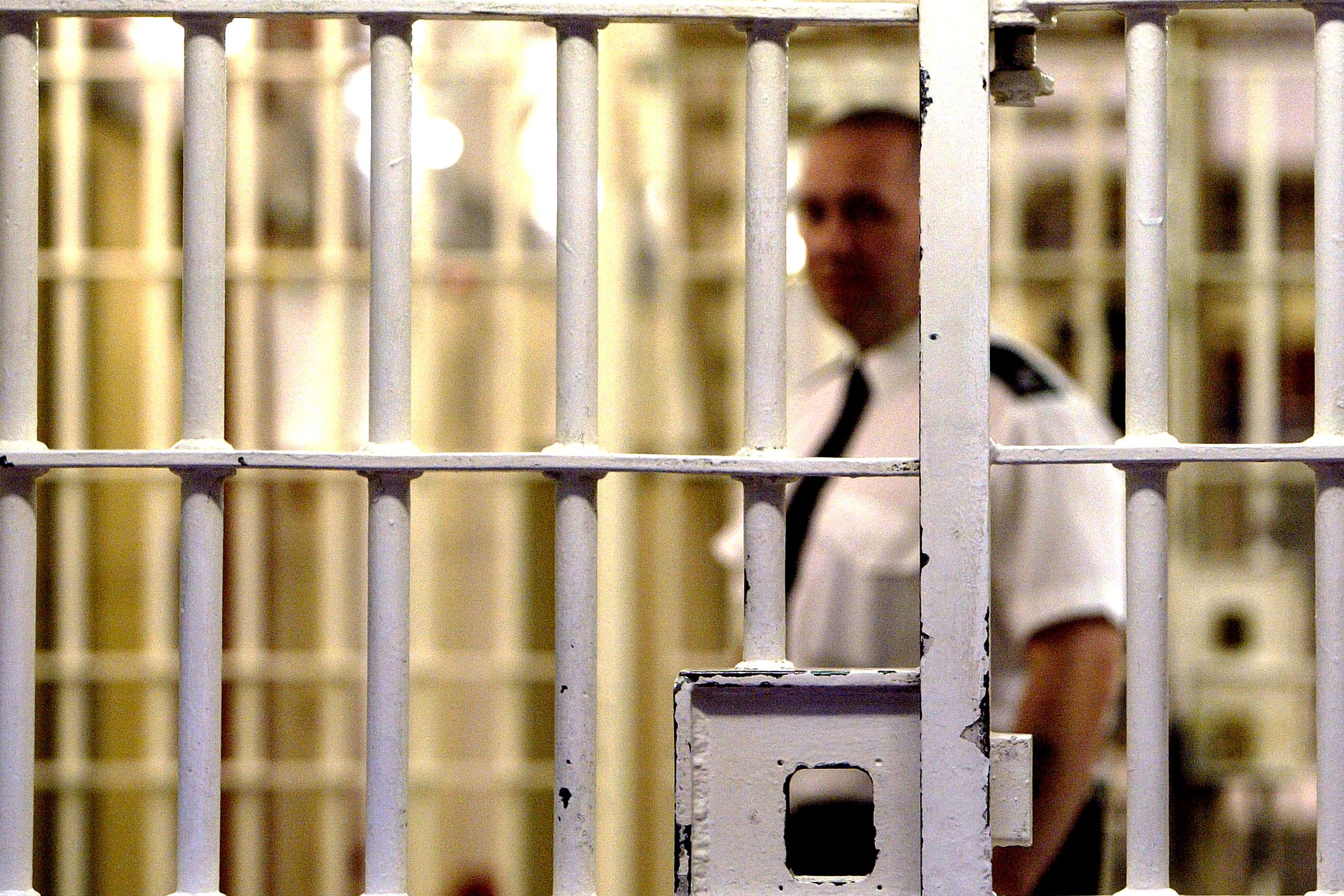 We need body scanners to tackle the prison drug problem